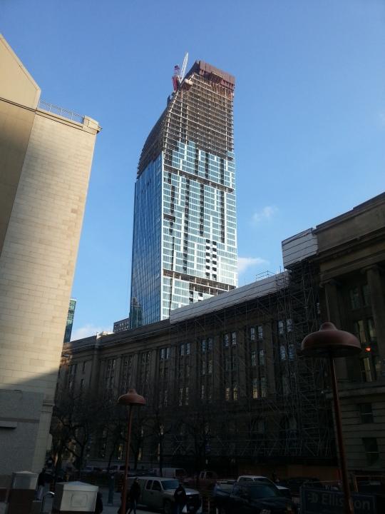 Toronto - Condo Construction Boom / Boom de construction de logement | photo source: John Zeus