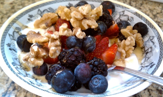 berries-and-yogurt